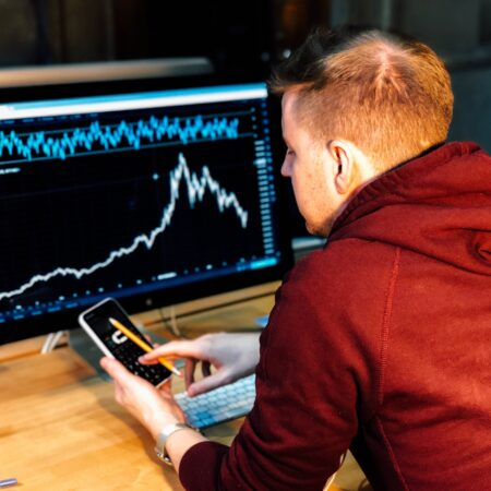 Is Forex Trading like Gambling? (With tips to trade safely)